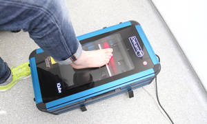 Firstly, a 3D laser scan is taken of both feet using a high resolution laser scanner.